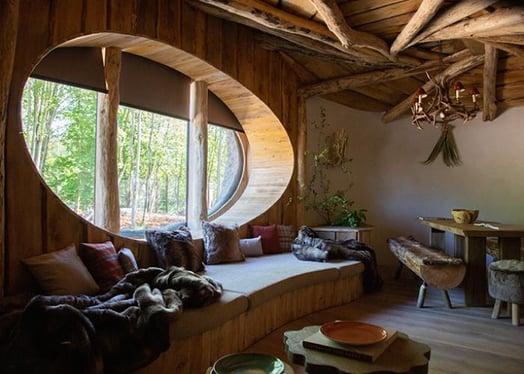 Pairi Daiza full moon lodge interior