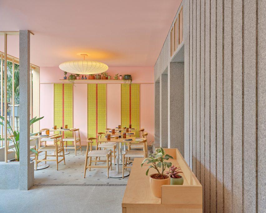 lucky-chan-restaurant-maia-design-studio_dezeen_2364_col_1-852x682